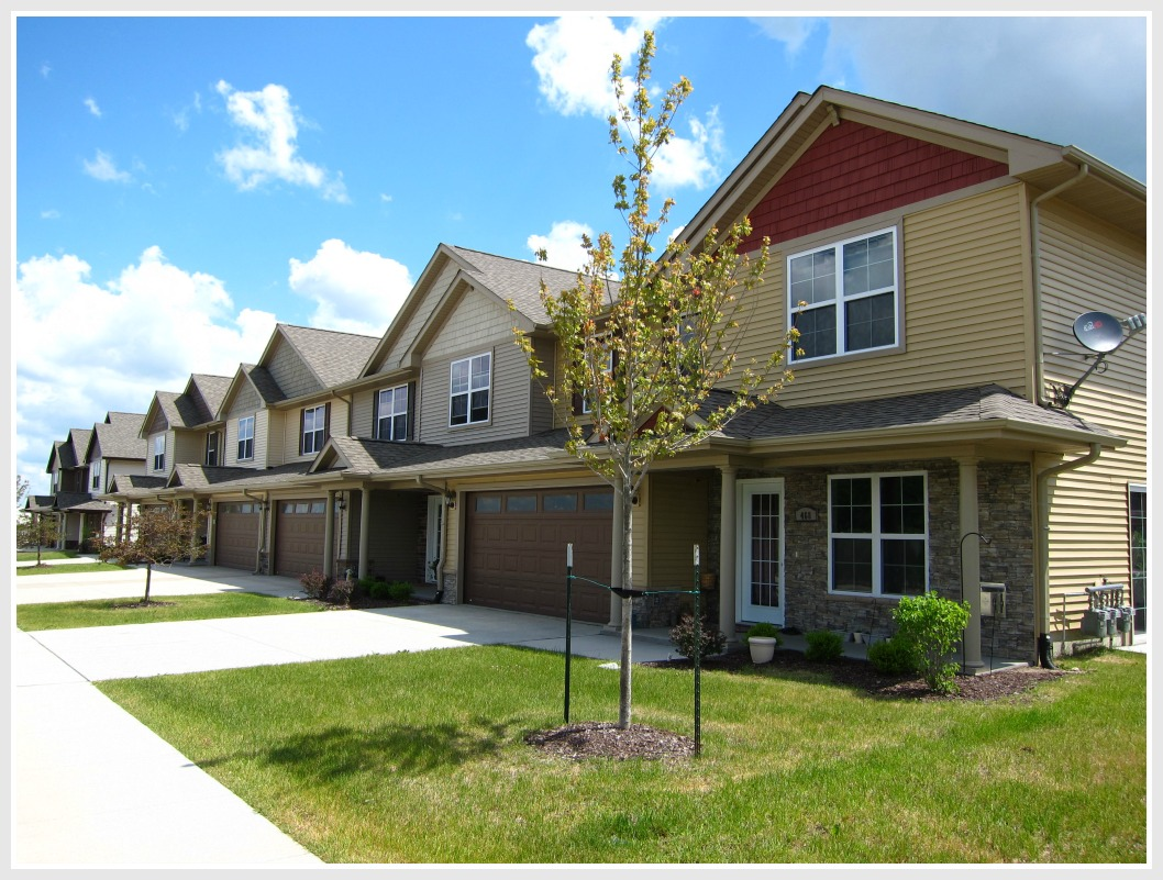 Townhomes in North Liberty - Chesterfield Commons
